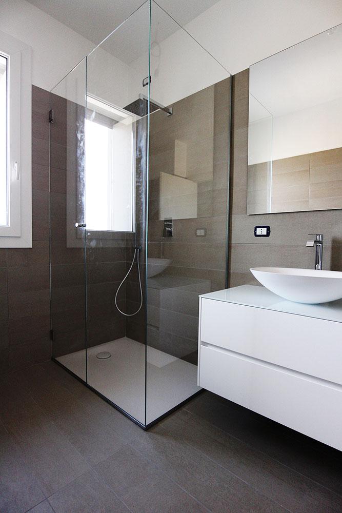 Finest anta battente con due fissi incollati ad angolo with mobili bagno ad angolo - Mobili bagno angolo ...